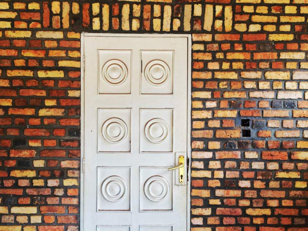 Burgess Romano_Rwanda- hidden door